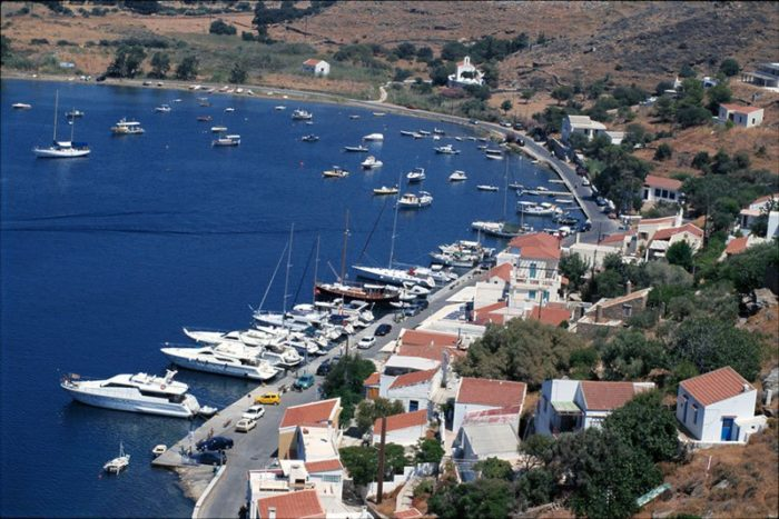 lifemagazinegr_Kea-Island-Vourkari-Port