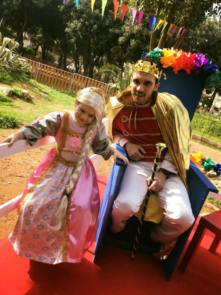 Ο βασιλιάς Καρνάβαλος υποδέχεται τους μικρούς του φίλους!